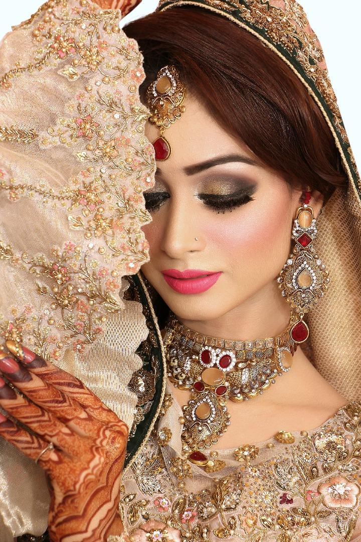 Najla S Beauty Parlour Bridal Makeup Charges Saubhaya Makeup